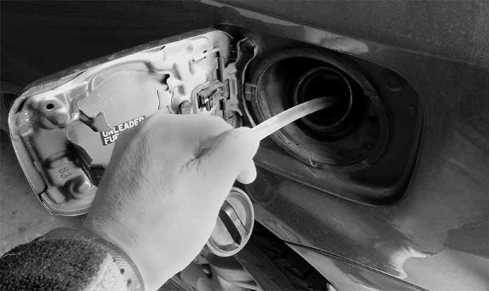 how to siphon petrol from a modern car
